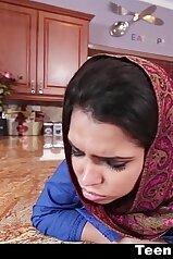 TeenPies Muslim Girl Praises Ah Laong Dick