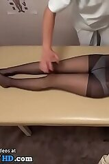 Japanese babe in pantyhose seduced by the masseur