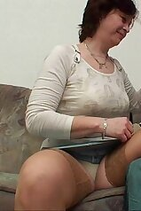 Sensual mom is having fun with a pretty young penis